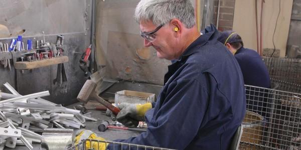 Filing & grinding station